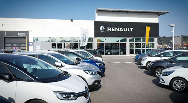 parc des véhicules d'occasion du garage Renault Sommières