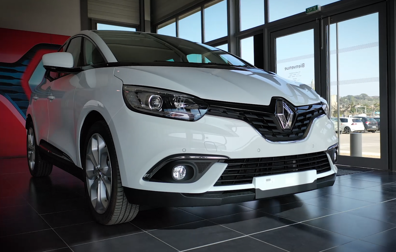 Renault clio blanche du garage Renault Sommières